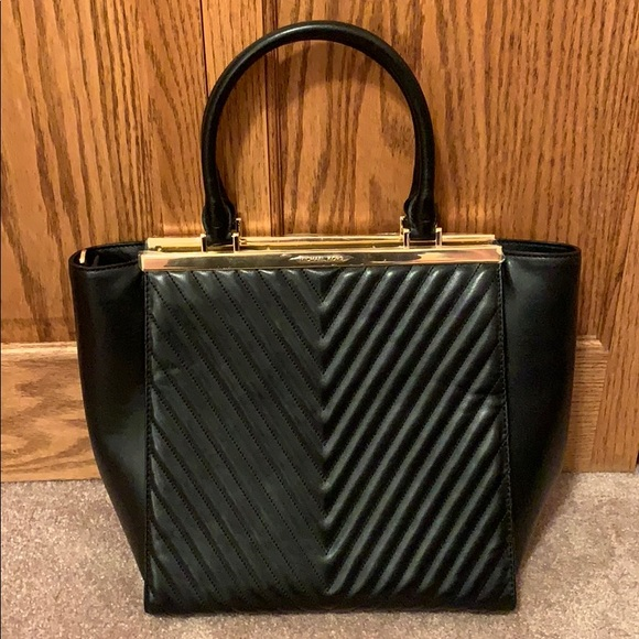 570b8bc9c7f1d0 Michael Kors Bags   Nwt Black Quilted Large Lana Tote   Poshmark